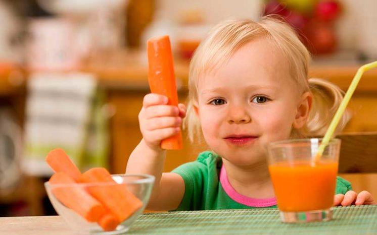 Чем полезен морковный сок: состав, калорийность, полезные свойства, противопоказания