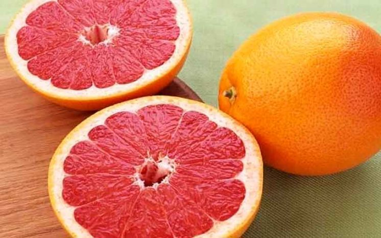 Польза грейпфрутового сока в одном стакане